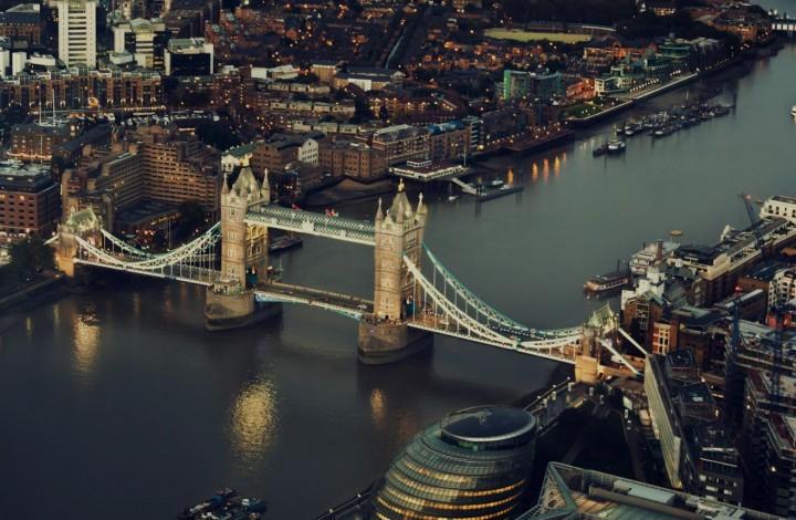 bridge-thames-scene-GR-law